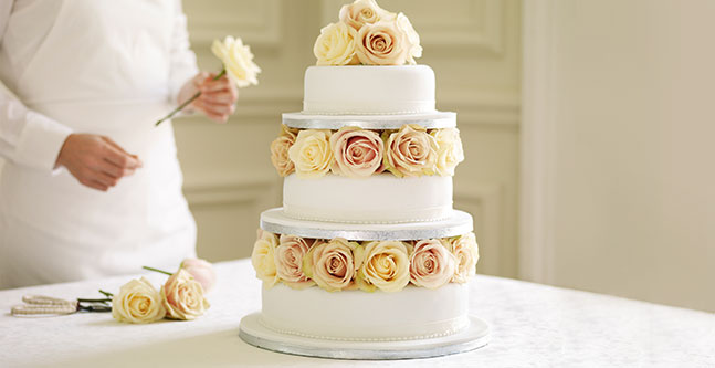 Wedding Cake Art | The Newport Bride