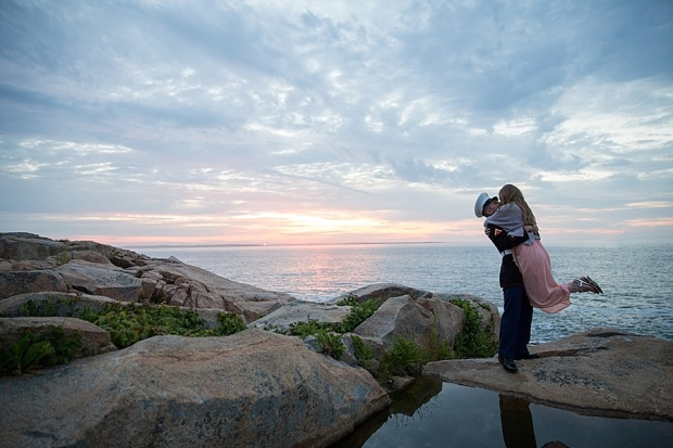 Free Engagement Pictures Giveaway on The Newport Bride