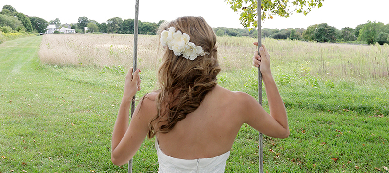 Day 11 of The Newport Bride's 12 Days of Christmas Giveaway is a custom hairpiece from Andria Bird Bride | The Newport Bride