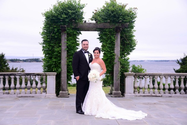 Cassie and Brandon's Navy Castle Hill Inn Wedding