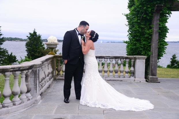 Cassie and Brandon's Navy Castle Hill Inn Wedding